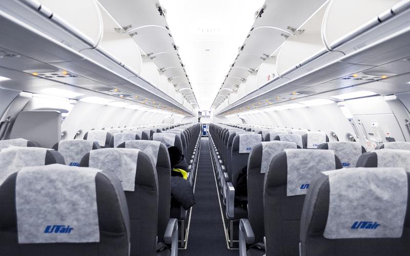 Салон самолета Utair