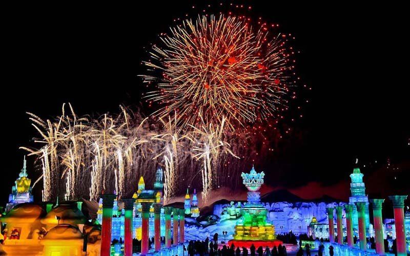 Новый год и фестиваль ледяных скульптур