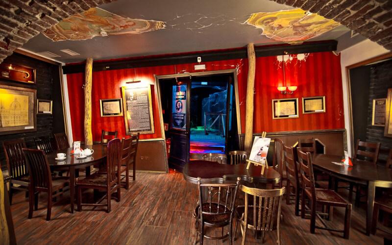 «Левый берег» кафе под театром