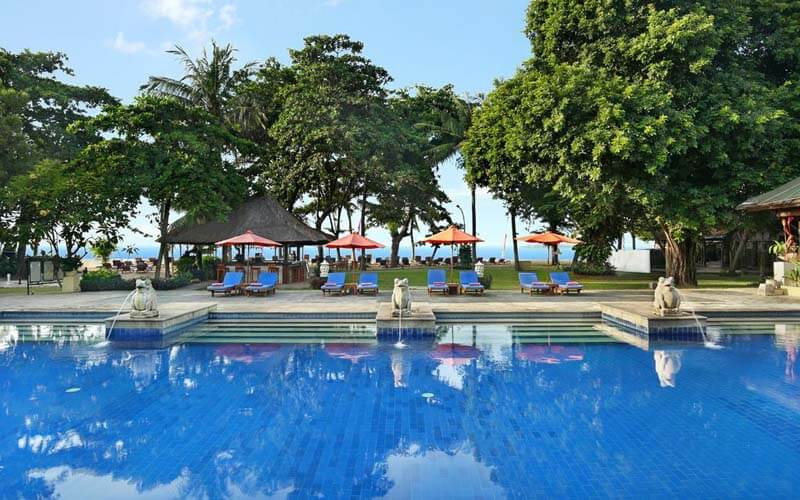 Бассейн Mercure Resort Sanur 4*, Санур (о. Бали), Индонезия