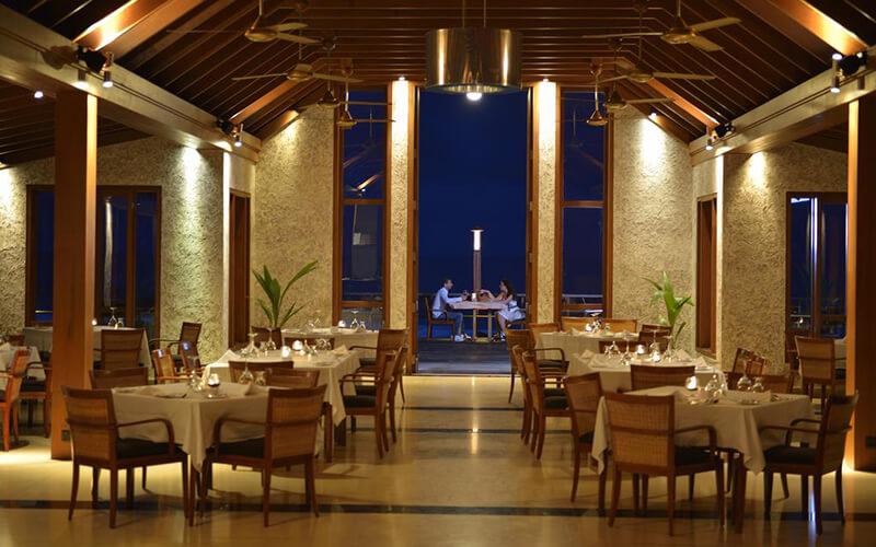 Ресторан в Paradise Island Resort & Spa 5*, Северный Мале Атолл, Мальдивы