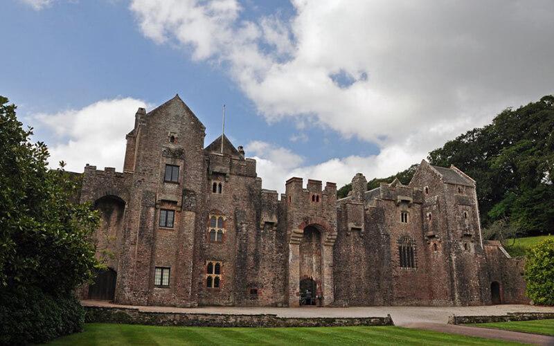 Замки Девоншира