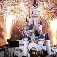 Французский «Диснейленд» встретит Новый Год по-нашему!