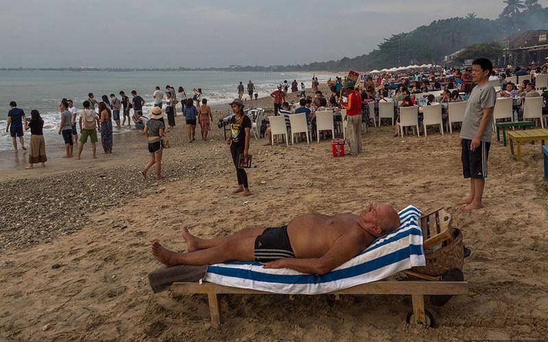 нет инфраструктуры на пляжах Бали
