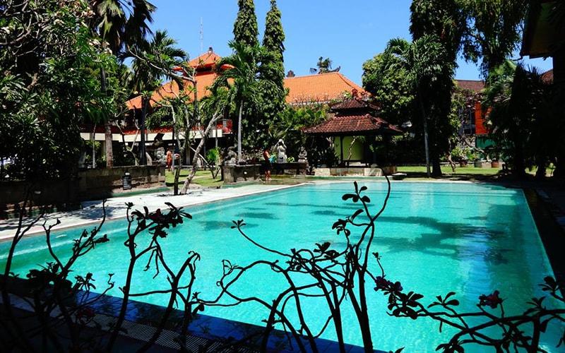 Бассейн в Bali Bungalo 3*, Кута (о. Бали), Индонезия