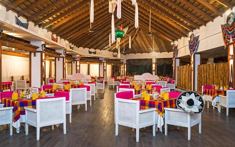 Ресторан в Be Live Collection Marien 5*, Пуерто Плата, Домінікана
