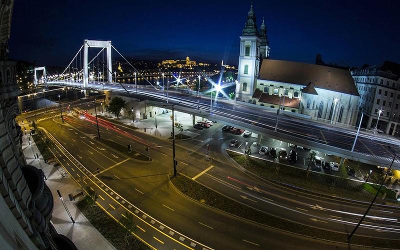 Вид з вікна в City Hotel Matyas 3*, Будапешт, Угорщина