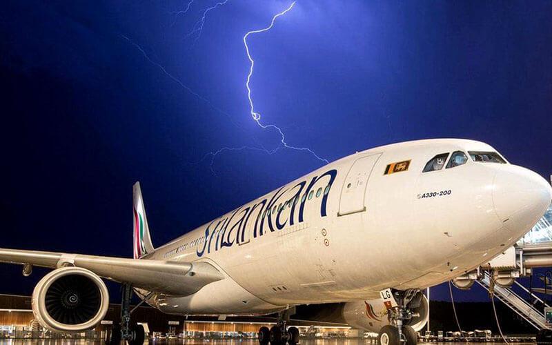 Блискавка літаку страшна
