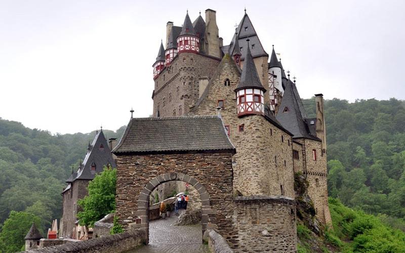 Старый замок Эльц