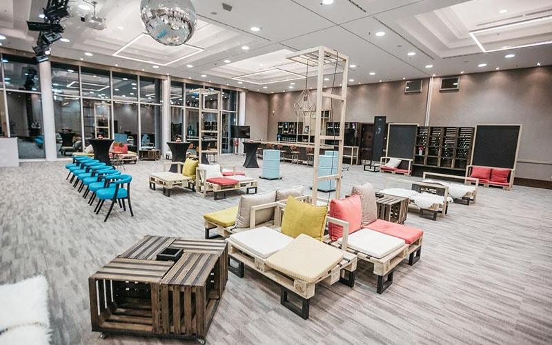 зона відпочинку в Lev Hotel 4*, Любляна, Словенія