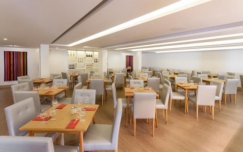 Ресторан в Londres Hotel 3*, Эшторил, Португалия
