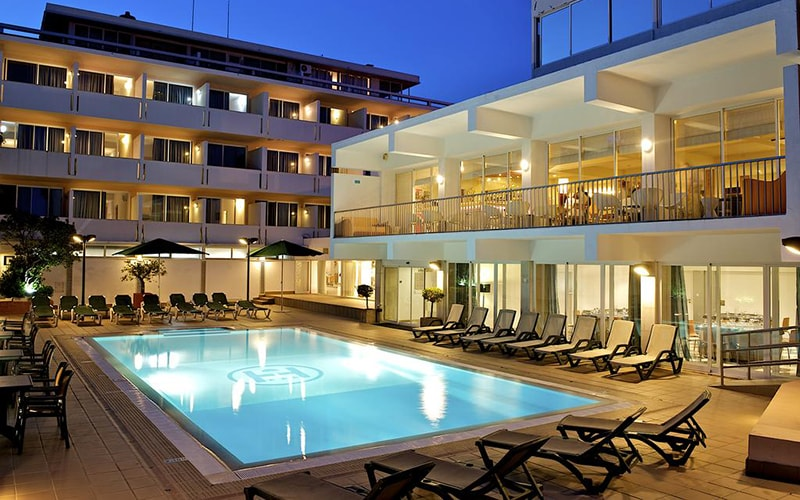 Территория в Londres Hotel 3*, Эшторил, Португалия