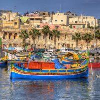 Украинцам обещаны чартеры на Мальту