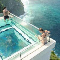 В Индонезии туристам предложат поплавать над пропастью!