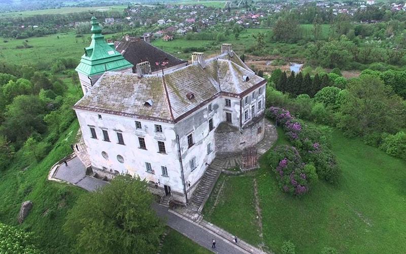 Романтический Олесский замок