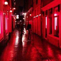 В квартале «Красных фонарей» запретят смотреть в окна