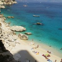 В Сардинии запретят ходить на пляж с полотенцем