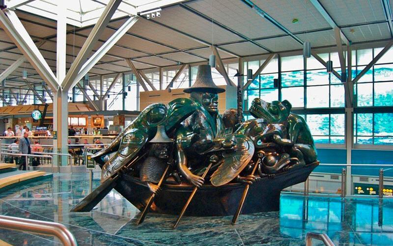 Аэропорт Ванкувера, Канада