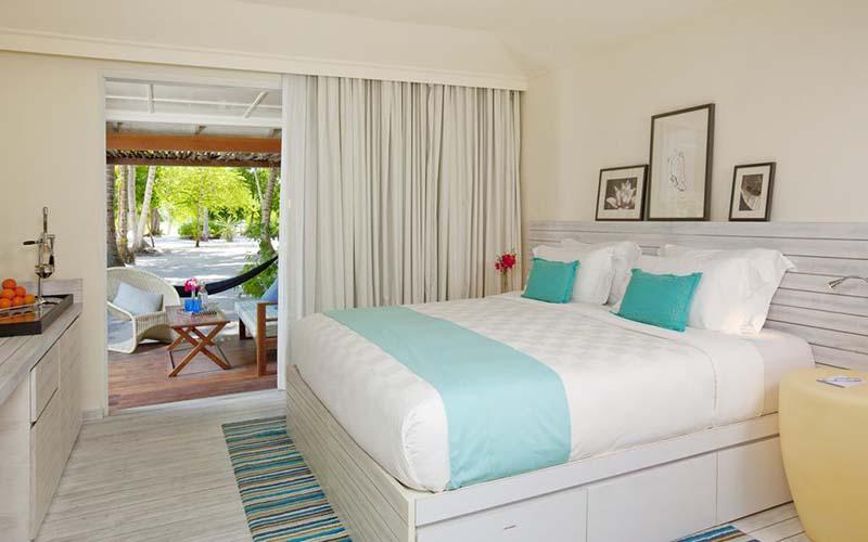 Номер в Holiday Inn Resort Kandooma 5*, Южный Мале Атолл, Мальдивы