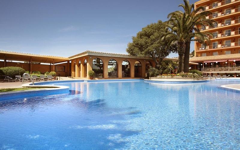 Бассейн в Luna Park Hotel 3*, Коста Дель Маресме, Испания