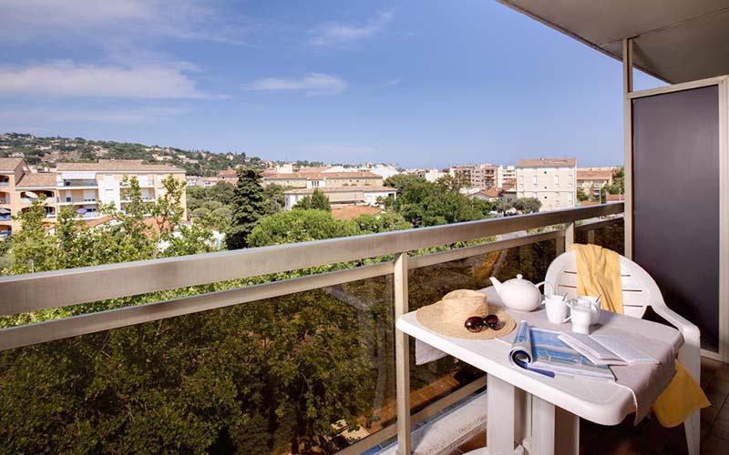 Балкон в номерах Residence Maeva Les Platanes 3*, Сен-Тропе, Франция