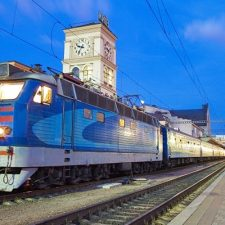 «Укрзализныця» определилась с дополнительными поездами на майские праздники