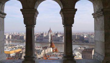 У Будапешті заборонили малий колісний транспорт у пішохідних зонах