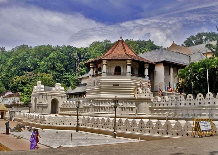Храм Шри Далада Малигава