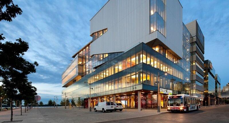 George Brown коледж в Торонто