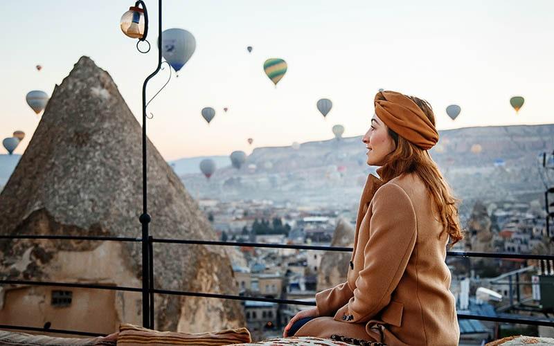 Фотосессия на фоне воздушных шаров