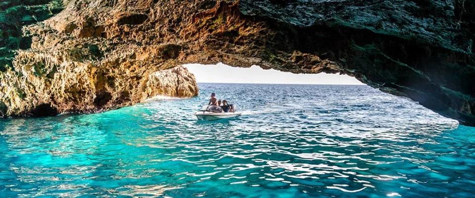 Блакитна печера
