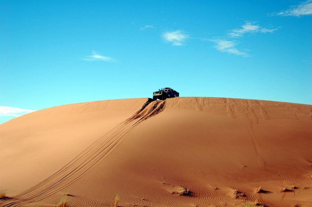 tur-v-sakharu-marokko